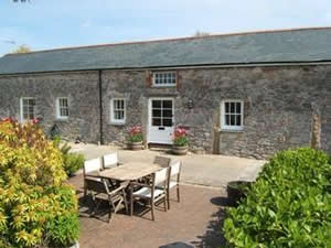 Self catering breaks at Seagull Cottage in Charlestown, Cornwall