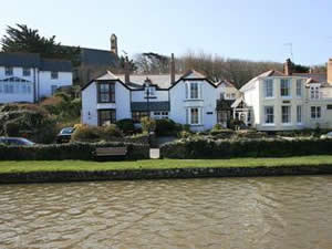 Self catering breaks at Wharfinger in Bude, Cornwall