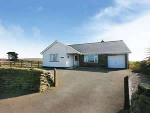 Self catering breaks at Two Acres in Trewetha, Cornwall