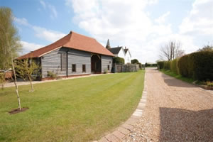 Self catering breaks at The Hop Barn in Staplehurst, Kent