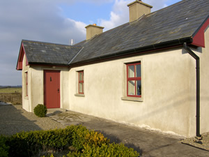 Self catering breaks at Ballinrobe in Lough Mask, County Mayo