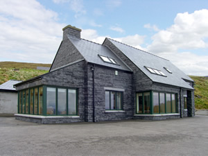 Self catering breaks at Glencolumbkille in Donegal Bay, County Donegal