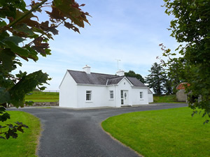 Self catering breaks at Boyle in Lough Key, County Roscommon