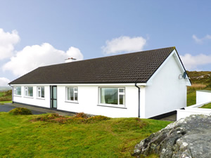 Self catering breaks at Clifden in Connemara, County Galway