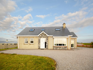 Self catering breaks at Burtonport in The Rosses, County Donegal