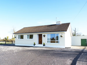 Self catering breaks at Carrick-On-Shannon in Lough Bran, County Leitrim
