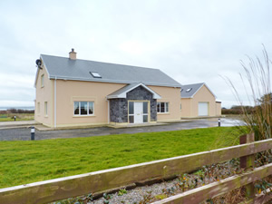 Self catering breaks at Querrin in Shannon Estuary, County Clare