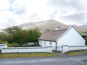 Self catering breaks at Drummin in Clew Bay, County Mayo