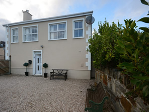 Self catering breaks at Moville in Inishowen Peninsula, County Donegal
