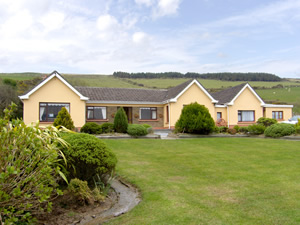 Self catering breaks at Annascaul in Dingle Peninsula, County Kerry