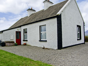 Self catering breaks at Crossmolina in Lough Conn, County Mayo