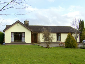 Self catering breaks at Ardnacrusha in Lough Derg, County Clare