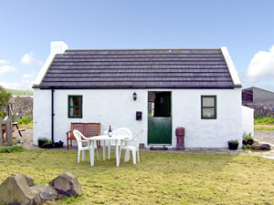 Self catering breaks at Ballintoy in Giants Causeway, County Antrim