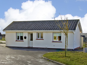 Self catering breaks at Banna in Banna Beach, County Kerry