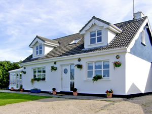 Self catering breaks at Carraroe in Galway Bay, County Galway