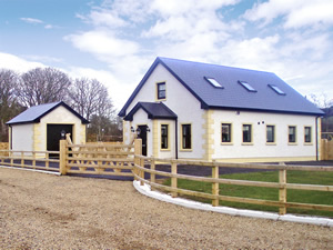 Self catering breaks at Ballintra in Donegal Bay, County Donegal