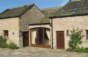Self catering breaks at Orchard Cottage in Rainow, Cheshire