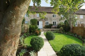 Self catering breaks at Poppys Cottage in Baunton, Gloucestershire
