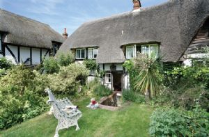 Self catering breaks at Spring Cottage in Chilbolton, Hampshire