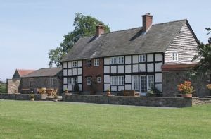 Self catering breaks at Bearwood House and Cottage in Pembridge, Herefordshire