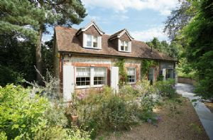 Self catering breaks at Coach House in Sevenoaks, Kent