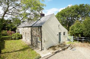 Self catering breaks at 2 Tregroes Cottage in Fishguard, Pembrokeshire