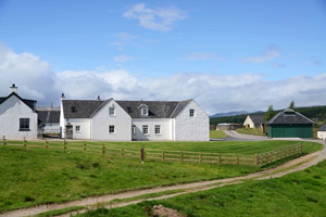 Self catering breaks at Luxury Steading Lodge in Drumnadrochit, Inverness-shire