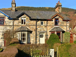 Self catering breaks at Penrhyn House in Cwm Penmachno, Conwy