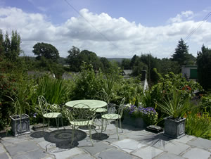Self catering breaks at 2 Beacon High in Lindale, Cumbria