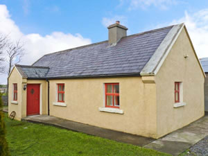Self catering breaks at Cavan Hill Cottage in Ballinrobe, County Mayo