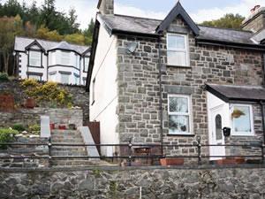 Self catering breaks at 1 Tan Y Fedw in Trefriw, Gwynedd