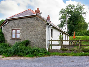 Self catering breaks at Berthela Cottage in Lampeter, Carmarthenshire