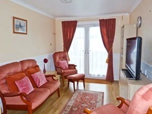 Self catering breaks at 7c Medmerry Park Holiday Village in Earnley, West Sussex