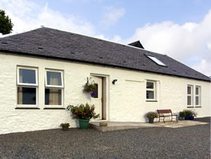 Self catering breaks at Darnhay Cottage in Mauchline, Ayrshire