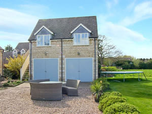 Self catering breaks at Acorns in Maxey, Cambridgeshire