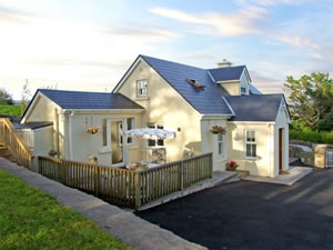 Self catering breaks at 1 Clancy Cottages in Kilkieran, County Galway