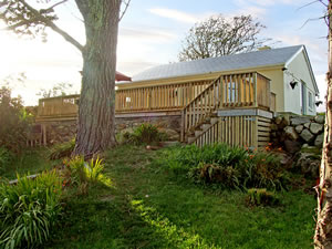 Self catering breaks at 2 Clancy Cottages in Kilkieran, County Galway
