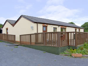 Self catering breaks at Meadow View in Laugharne, Carmarthenshire