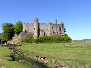 Self catering breaks at Dylans Court in Laugharne, Carmarthenshire