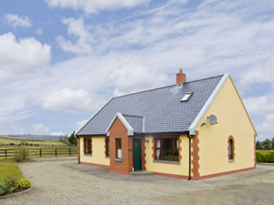 Self catering breaks at Eden Lodge Cottage in Ennis, County Clare