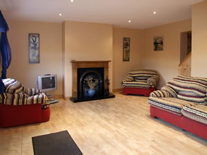 Self catering breaks at 2 Castlebride Cottages in Conna, County Cork