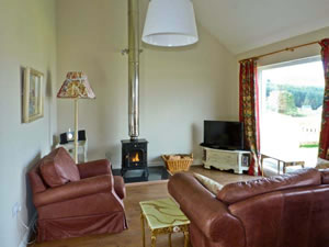 Self catering breaks at Sunset Cottage in Salen, Isle of Mull