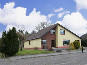 Self catering breaks at 5 Castle View in Manorhamilton, County Leitrim