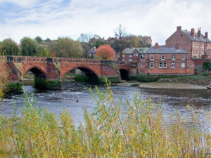 Self catering breaks at Bridge Cottage in Chester, Cheshire