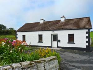 Self catering breaks at Moneygold Cottage in Grange, County Sligo