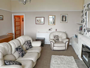 Self catering breaks at Bay View Apartment in Hornsea, East Yorkshire
